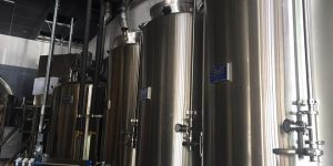 What You Need to Know About Dry Tanks vs. Liquid Tanks
