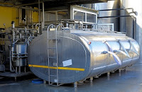 Large tank for dairy processing